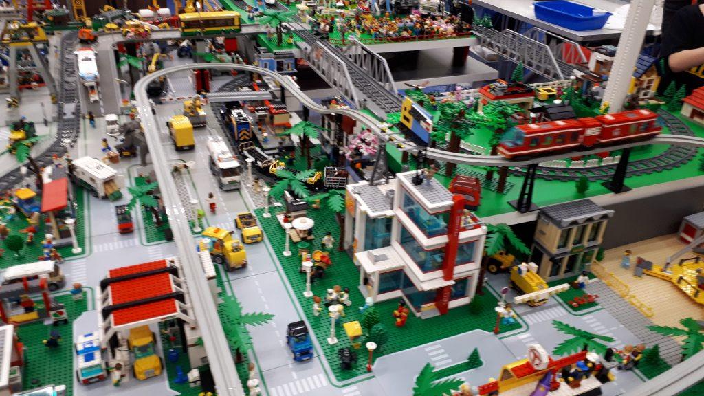 Lego (TM) layout